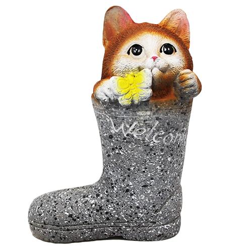 Figurka kot w buciku