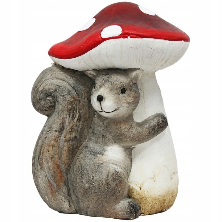 Figurka wiewiórka z muchomorem